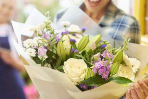 Rožės ir jų pristatymas į namus