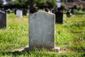 Kapų tvarkymas ir paminklų gamyba: kaip pasirinkti